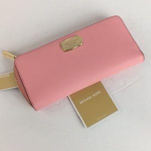 Michael Kors Women's  Saffiano Leather wallet